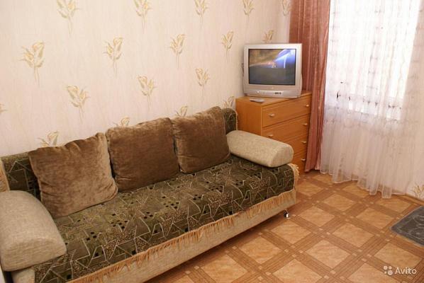 Трехкомнатная квартирапосуточно в Шостке. ул. Рабочая, 5. Фото 1