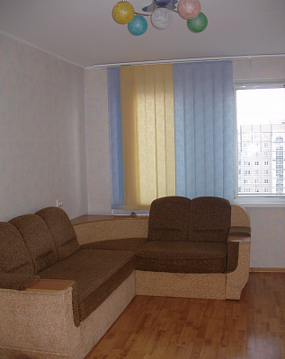 Трехкомнатная квартирапосуточно в Керчи. ул. Кирова, 107. Фото 1