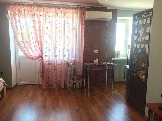 Однокомнатная квартирапосуточно в Керчи, ул. Свердлова, 26
