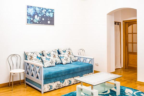 Четырехкомнатная квартирапосуточно в Львове. Галицкий район, ул. Лычаковская, 7. Фото 1