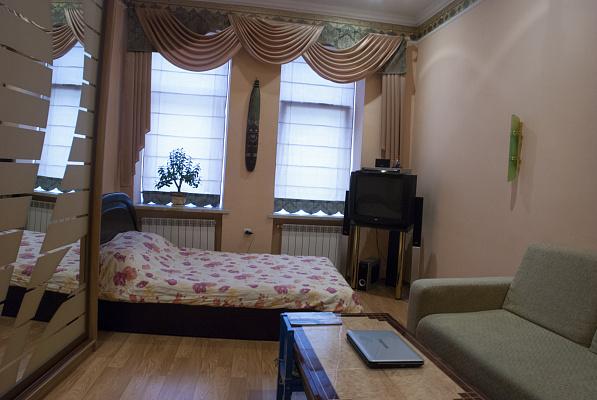 Однокомнатная квартирапосуточно в Львове. Галицкий район, ул. Глубокая, 3. Фото 1