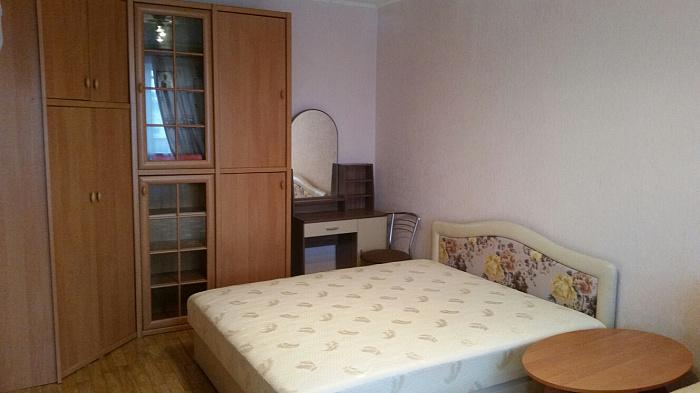 Однокомнатная квартирапосуточно в Керчи. ул. Сергея Борзенко, 21. Фото 1