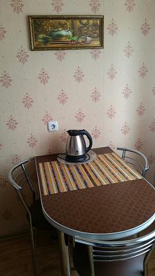 Однокомнатная квартирапосуточно в Керчи, ул. Сергея Борзенко, 21
