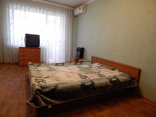 Однокомнатная квартирапосуточно в Запорожье. ул. Автозаводская, 16. Фото 1