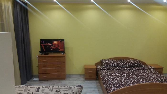 Однокомнатная квартирапосуточно в Ровно. ул. Макарова, 24в. Фото 1