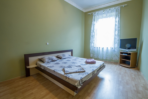 Двухкомнатная квартирапосуточно в Львове, Галицкий район, ул. Ярослава Мудрого , 14. Фото 1