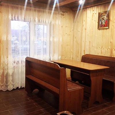 Двухкомнатная квартирапосуточно в Ясине, ул. Мира, 140