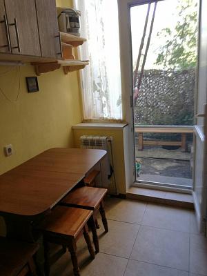 Двухкомнатная квартирапосуточно в Форосе. ул. Космонавтов, 16. Фото 1