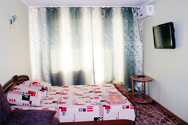 Однокомнатная квартирапосуточно в Мариуполе, Центральный район, пр-т Ленина, 74. Фото 1