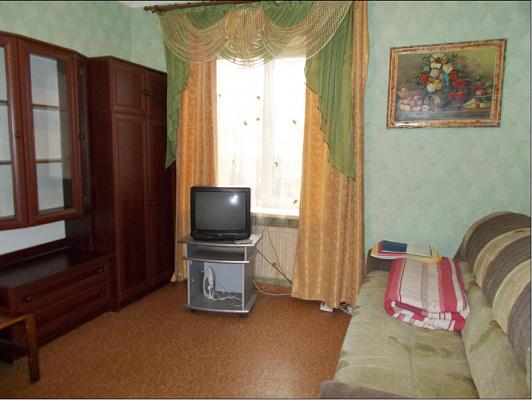 Однокомнатная квартирапосуточно в Ахтырке. ул. Независимости, 19. Фото 1
