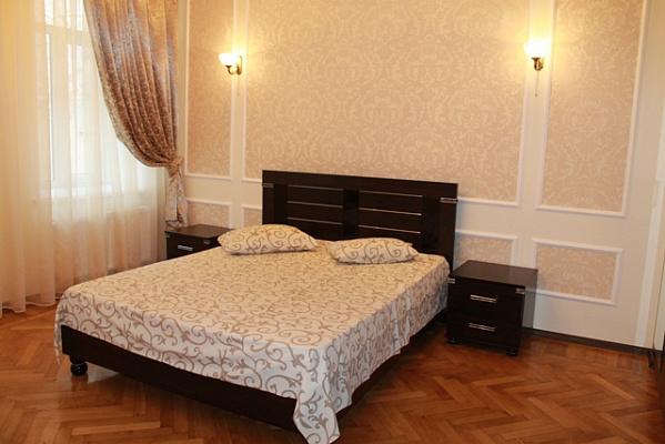 2-комнатная квартира посуточно в Одессе. ул. Греческая, 50. Фото 1
