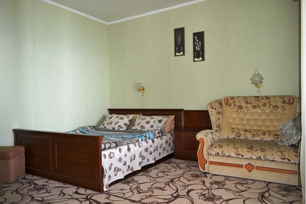 Однокомнатная квартирапосуточно в Алупке, ул. Ялтинская, 13. Фото 1