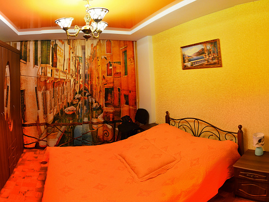 Двухкомнатная квартирапосуточно в Чернигове, Новозаводской район, пр-т Победы, 71