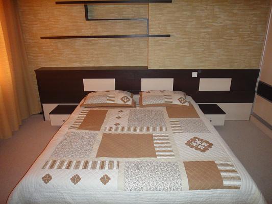 2-комнатная квартира посуточно в Одессе. Приморский район, ул. Среднефонтанская, 19-Б. Фото 1