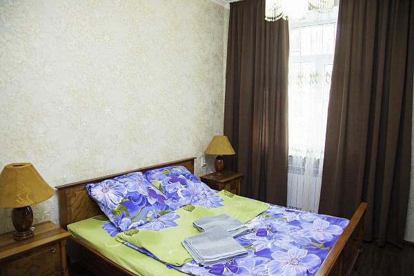 Двухкомнатная квартирапосуточно в Запорожье. Жовтневый район, пр-т Соборный, 104. Фото 1