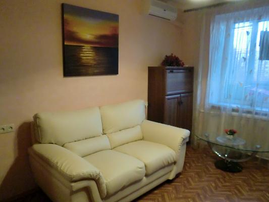 Однокомнатная квартирапосуточно в Одессе, Киевский район, Левитана, 101-а. Фото 1