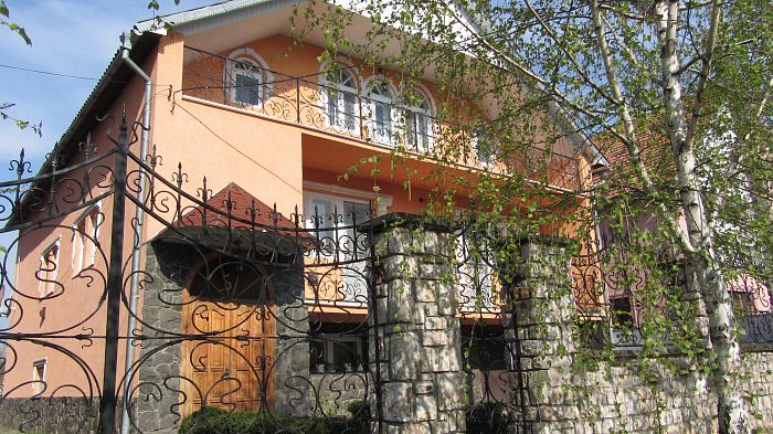 Дом посуточно в Берегово, ул. Молодежная, 13. Фото 1
