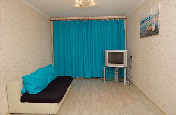 Однокомнатная квартирапосуточно в Черкассах, ул. Припортовая, 40. Фото 1