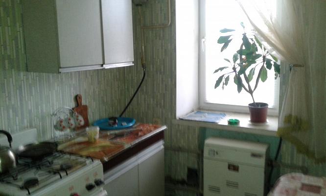 Однокомнатная квартирапосуточно в Фастове, ул. Героев-Пограничников, 2