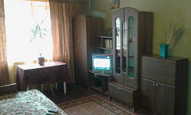 Однокомнатная квартирапосуточно в Фастове, ул. Героев-Пограничников, 2. Фото 1