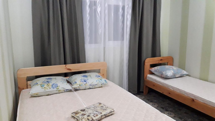 Однокомнатная квартирапосуточно в Рыбаковке, ул. Очаковская, 33. Фото 1