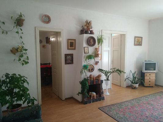 Двухкомнатная квартирапосуточно в Коломые, ул. Победы, 40. Фото 1