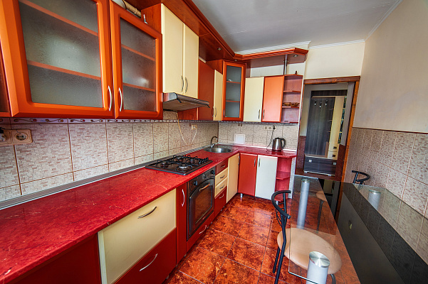 2-кімнатна Квартира посуточно в Ужгороді. ул. Челюскинцев a755d9884fd00