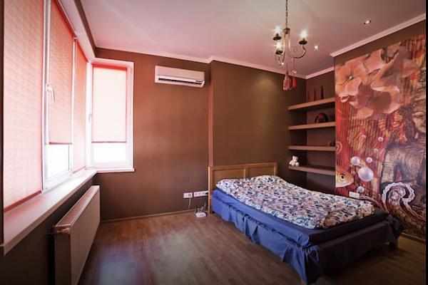 Двухкомнатная квартирапосуточно в Одессе. Приморский район, ул. Среднефонтанская, 19б. Фото 1