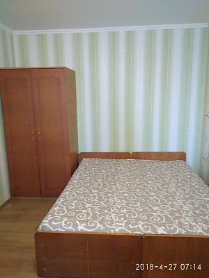 Однокомнатная квартирапосуточно в Бердянске. ул. Горького, 45. Фото 1
