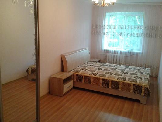 Двухкомнатная квартирапосуточно в Ильичёвске (Черноморске). ул. Парковая, 16. Фото 1