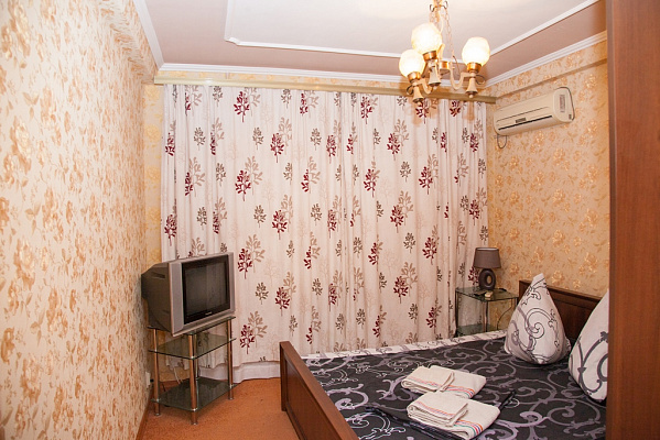 Двухкомнатная квартирапосуточно в Запорожье, Жовтневый район, ул. Школьная, 22
