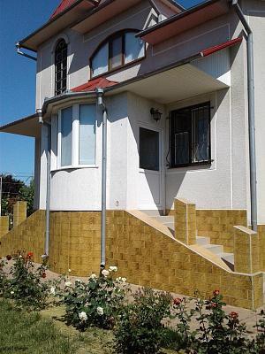 Двухкомнатная квартирапосуточно в Сергеевке, пер. Сергеевский, 8. Фото 1