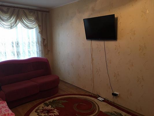 Двухкомнатная квартирапосуточно в Славутиче, Черниговский квартал, 10. Фото 1