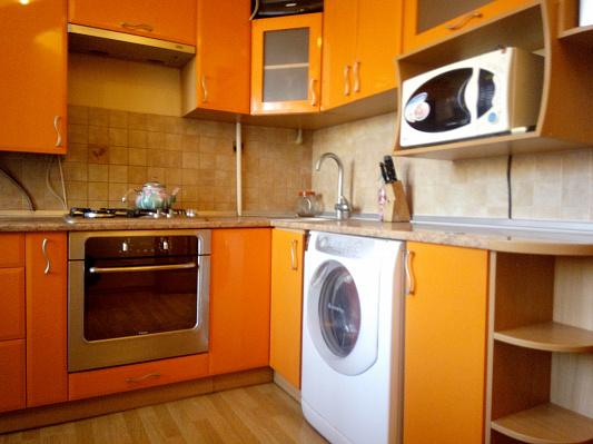 2-комнатная квартира посуточно в Полтаве. Октябрьский район, ул. Котляревского, 15. Фото 1