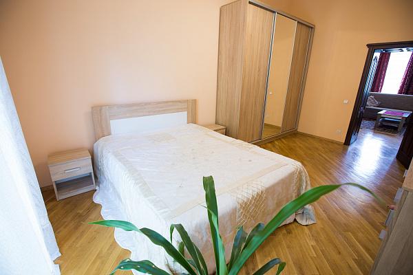 Двухкомнатная квартирапосуточно в Львове, Железнодорожный район, ул. Марка Вовчка, 38. Фото 1