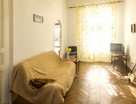 Двухкомнатная квартирапосуточно в Львове. Франковский район, ул. Евгена Коновальца, 15. Фото 1