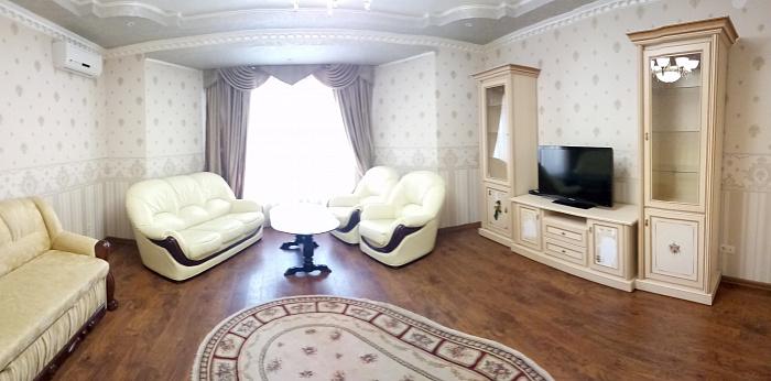 2 rooms apartmentsdaily Uzhgorod, ул. Павлова, 2а. Photo 1