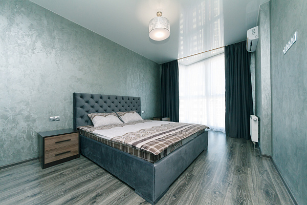 Двухкомнатная квартирапосуточно в Киеве. Дарницкий район, ул. Драгоманова, 2а. Фото 1