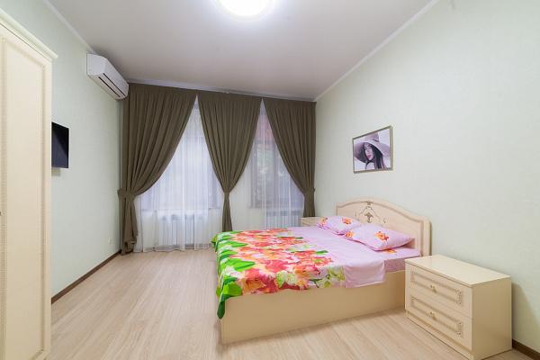 3-комнатная квартира посуточно в Одессе. Приморский район, ул. Пушкинская, 16. Фото 1