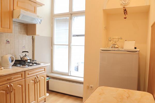 1-комнатная квартира посуточно в Львове. Галицкий район, ул. Краковская, 26. Фото 1