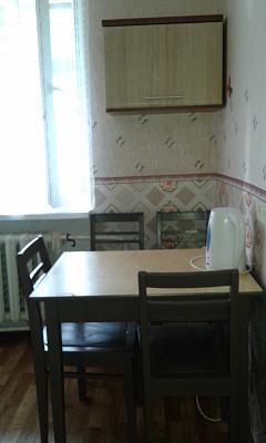 Двухкомнатная квартирапосуточно в Фонтанке. ул. Гвардейская (пгт Черноморское), 40. Фото 1