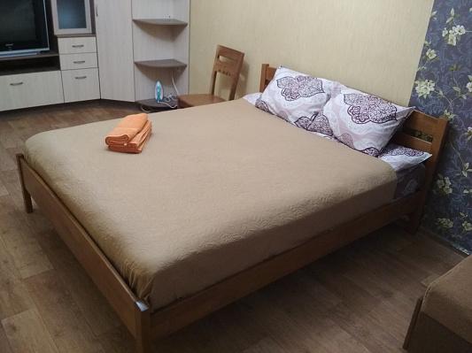 Однокомнатная квартирапосуточно в Чернигове. Деснянский район, ул. Летная, 6. Фото 1