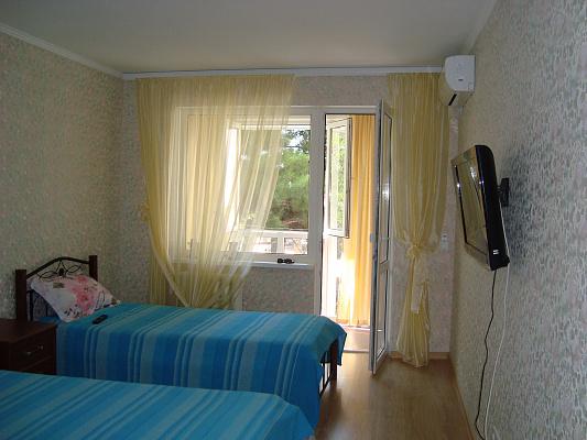 Однокомнатная квартирапосуточно в Ялте, пос. Никита, Метеостанция, 1. Фото 1