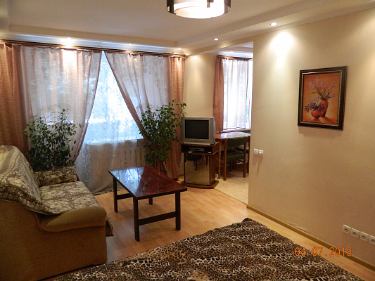 Однокомнатная квартирапосуточно в Херсоне, Суворовский район, ул. Московская, 5а. Фото 1