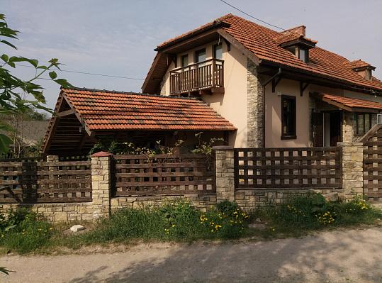 Дом посуточно в Каменце-Подольском, ул. Госпитальная, 12. Фото 1