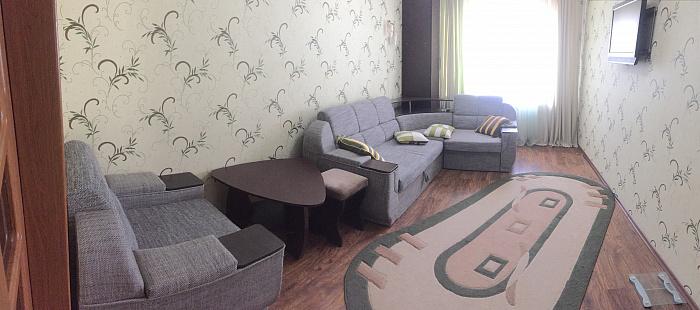 Двухкомнатная квартирапосуточно в Южном. ул. Химиков, 2. Фото 1