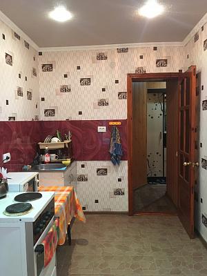 Однокомнатная квартирапосуточно в Изюме, ул. Рождественская, 5. Фото 1