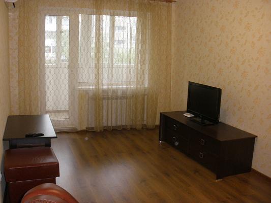 Двухкомнатная квартирапосуточно в Донецке, Киевский район, киевский, 5а. Фото 1