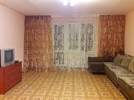 Трехкомнатная квартирапосуточно в Одессе, ул. Посмитного, 33. Фото 1