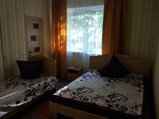 Міні-готель подобово у Берегово, вул. Духновича, 18. Фото 1